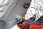 mountaineering-crevasse-rescue-rope-with-knots